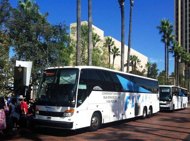 Ônibus FlyAway em Los Angeles